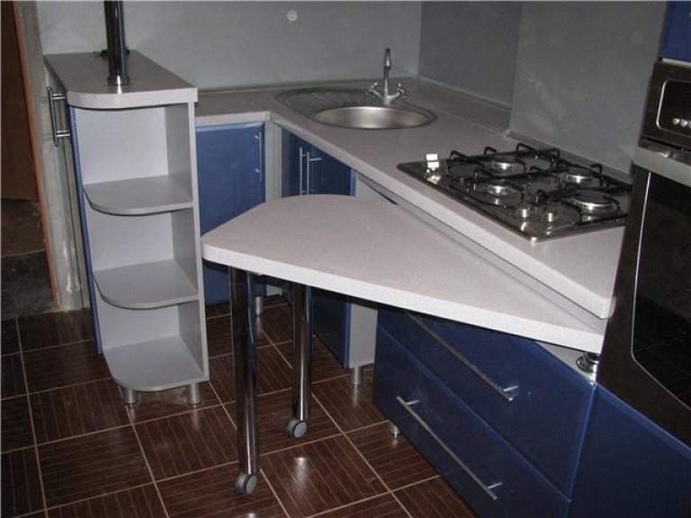 Dapur Dengan Bangku Kaca