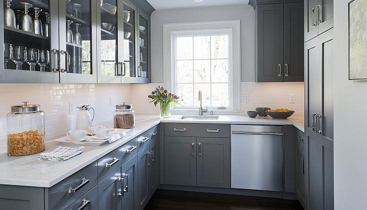 Dan Terhadap Latar Belakang Warna Putih Tulen Dapur Kelabu Akan Kelihatan Agak Menantang Lebih Baik Untuk Memberi Keutamaan Kepada Hangat