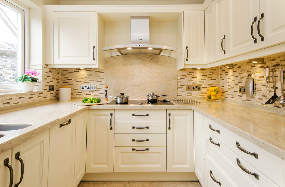 Susun Atur Sesuai Untuk Mereka Yang Ingin Memaksimumkan Penggunaan Produktif Kawasan Kecil Premis Dapur Akan Menampung Banyak Hidangan Dan Perkakas